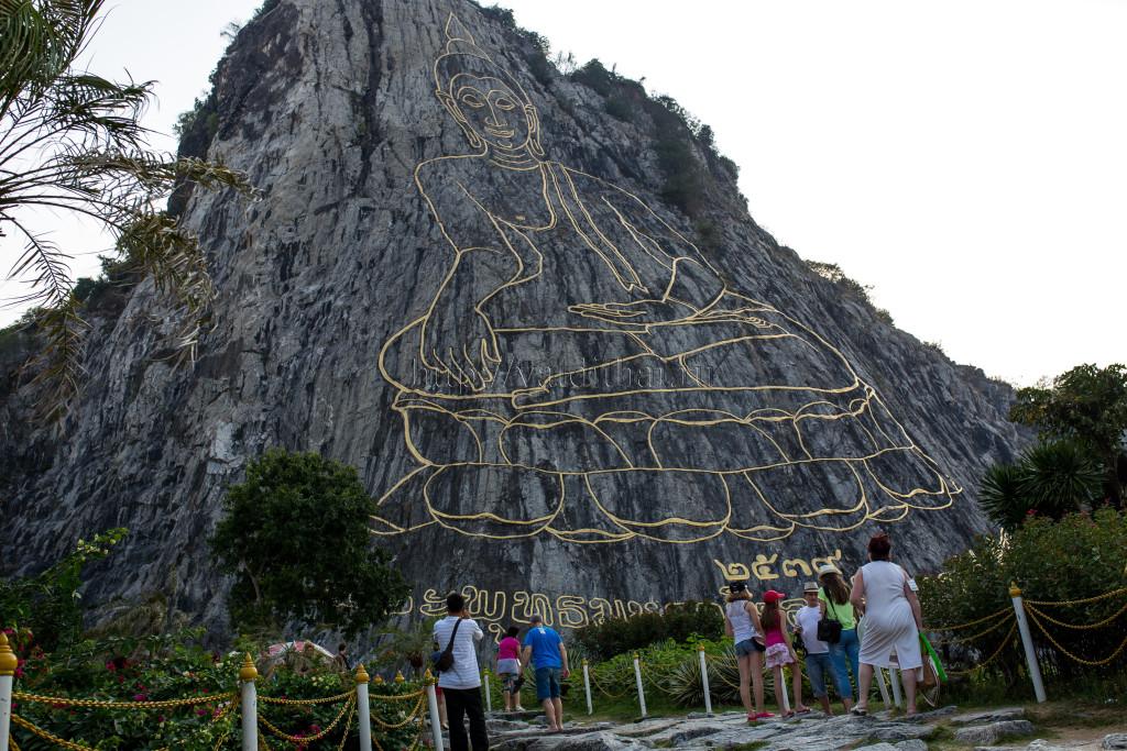 Гора золотой Будда