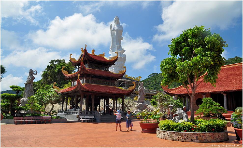 Куда лучше поехать в Таиланд или Вьетнам?